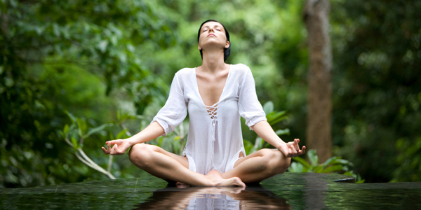 Practicar yoga