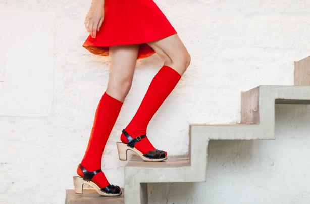 mujer escaleras
