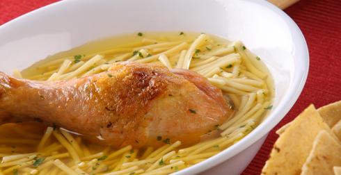 pollo con fideo